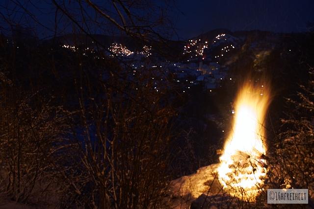 Pottenstein Ewige Anbetung_Die Feuer erhellen die Hänge