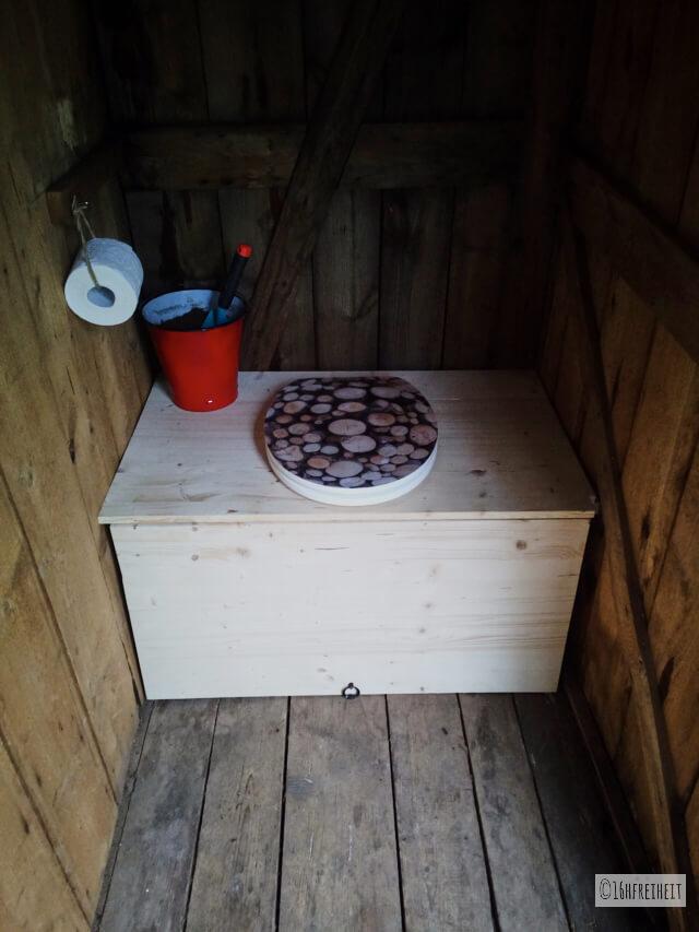 Komposttoilette für den Garten selber bauen_Fertige Toilette