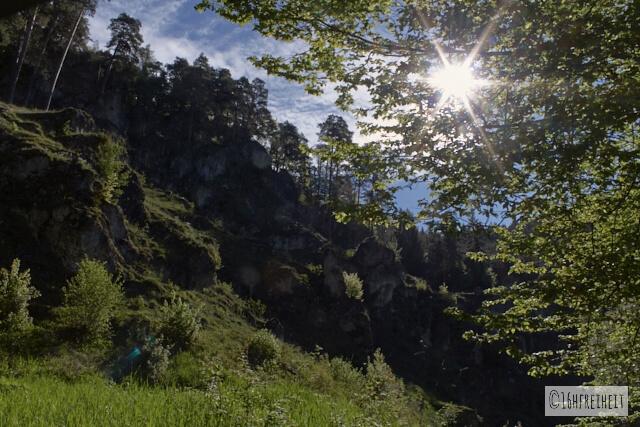 Altarstein bei Obertrubach auf dem Weg zur Ziegelmühle (Fränkische Schweiz)