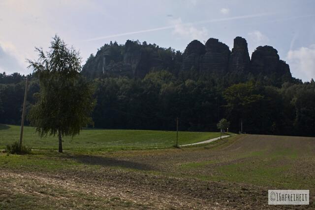 Sächsische Schweiz_fuer_Eilige_Vor uns der Pfaffenstein